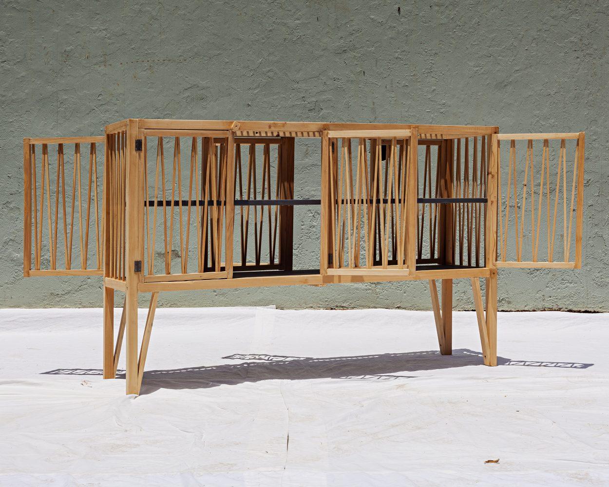l quip e. Black Bedroom Furniture Sets. Home Design Ideas
